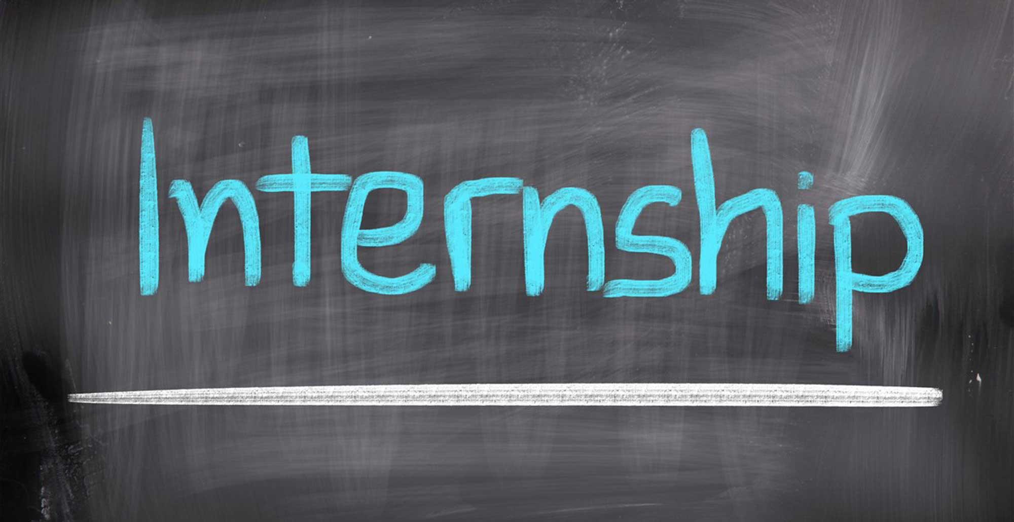 Foto con scritta 'internship'