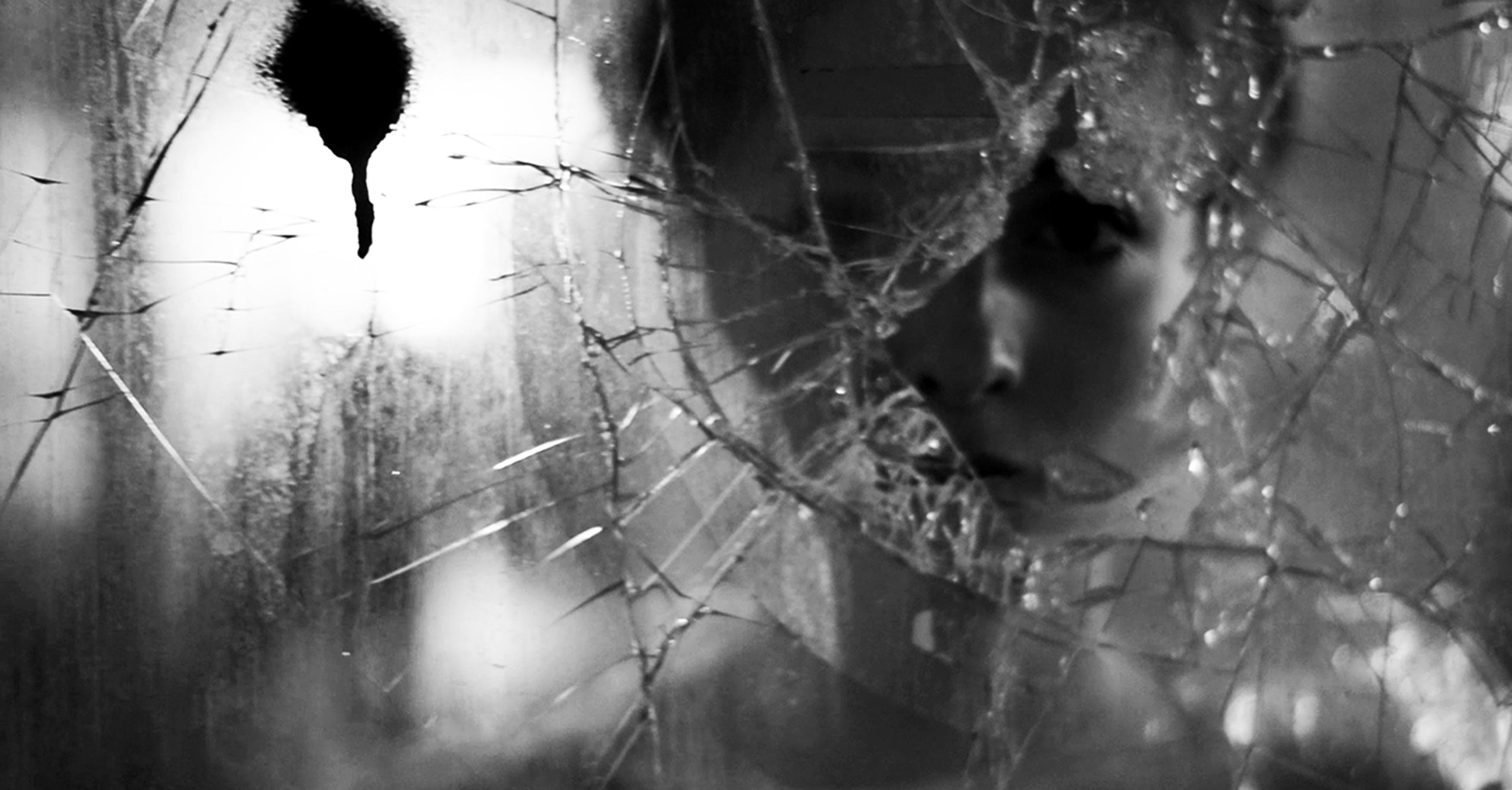 Immagine tratta dal video arte 'Frontal Lobotomy' di Helmut Morganti