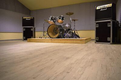 Foto interno sale prova musicali con batteria e casse